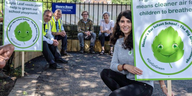 Department of Landscape Architecture PhD student Maria (right) with members of the BREATHE project, representatives of Hunters Bar Infant School and contractors. *Photo courtesy of Sheffield Star Newspapers